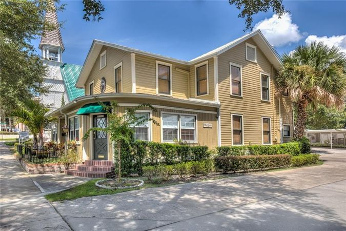 644 N Donnelly Street Mount Dora, FL 32757