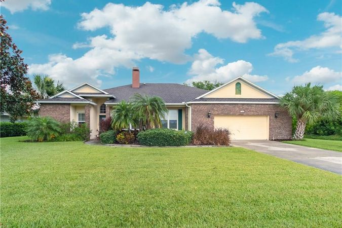 1742 Lee Janzen Drive Kissimmee, FL 34744