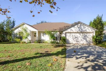 335 PEBBLE COURT MINNEOLA, FL 34715 - Image 1