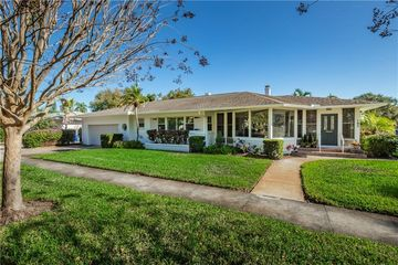 105 17TH AVENUE NE ST PETERSBURG, FL 33704 - Image 1