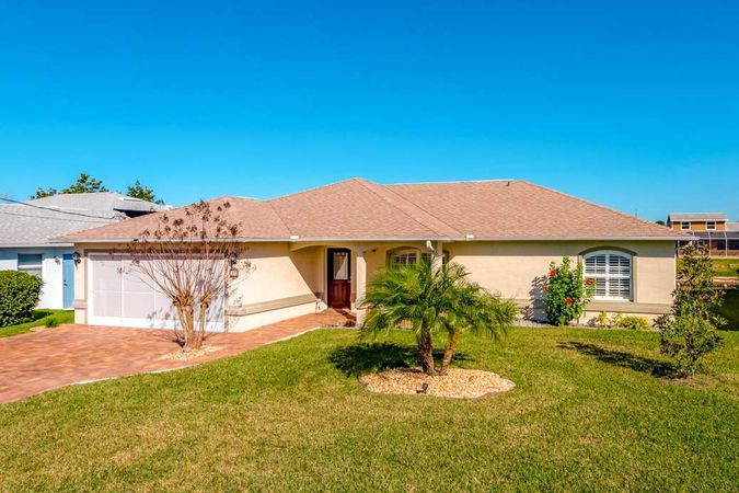 33 CORMORANT COURT Palm Coast, FL 32137