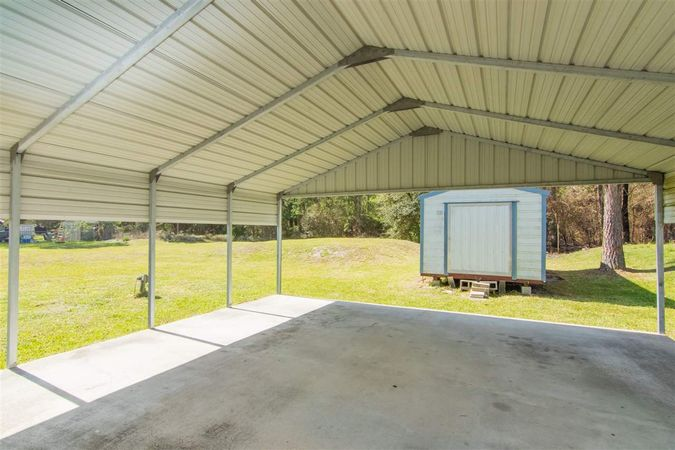 6345 Armstrong Rd - Photo 19