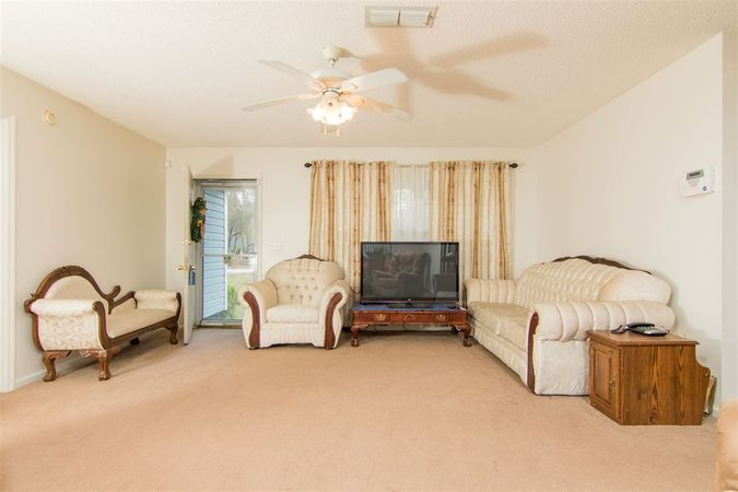 6345 Armstrong Rd - Photo 7
