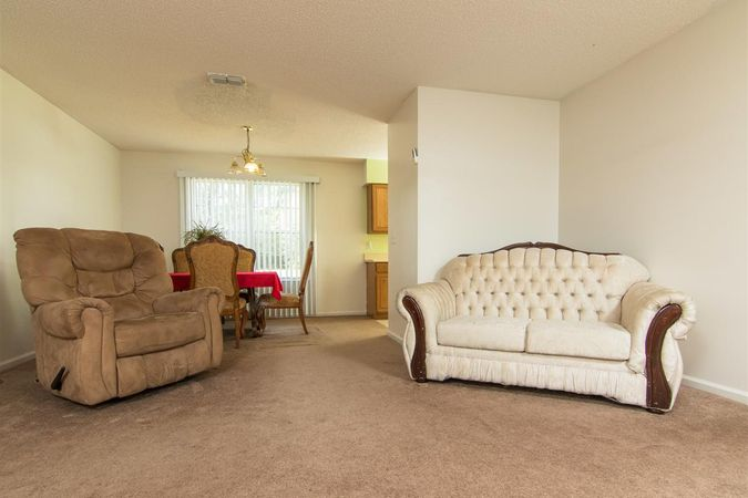6345 Armstrong Rd - Photo 9