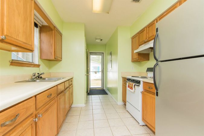 6345 Armstrong Rd - Photo 10