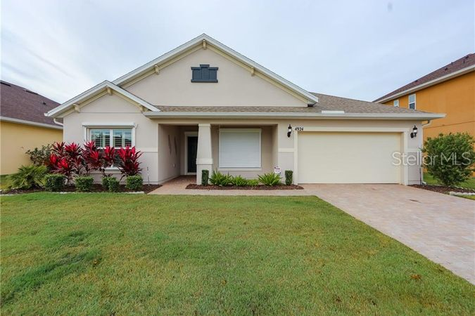 4924 WHISTLING WIND AVENUE KISSIMMEE, FL 34758