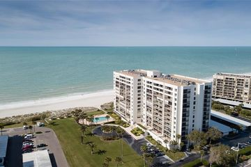 1460 GULF BOULEVARD #108 CLEARWATER BEACH, FL 33767 - Image 1