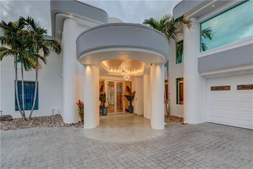 288 SPOTTIS WOODE COURT CLEARWATER, FL 33756 - Image 1