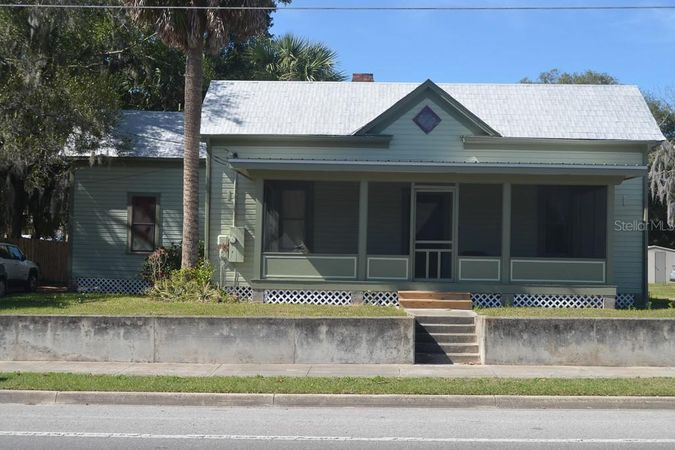 66 S Central Avenue Umatilla, FL 32784