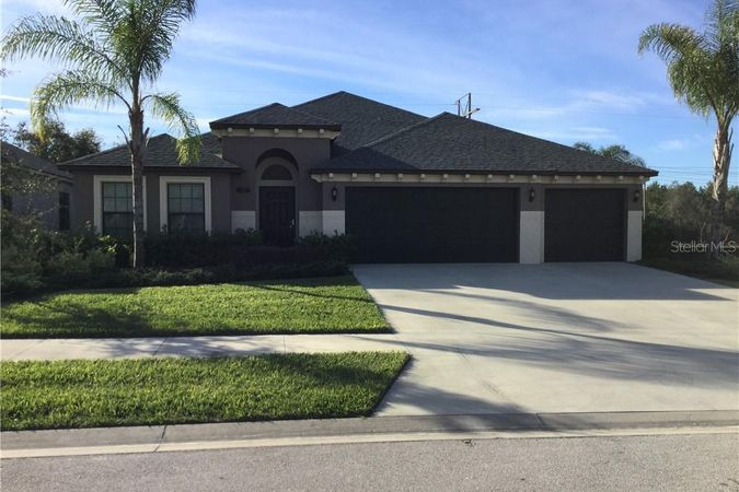 152 Red Maple Burl Circle Debary, FL 32713