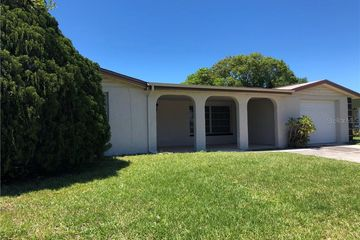 2705 APIA PLACE HOLIDAY, FL 34691 - Image 1