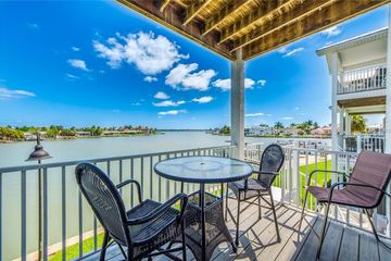 115 YACHT CLUB CIRCLE NORTH REDINGTON BEACH, FL 33708 - Image 1