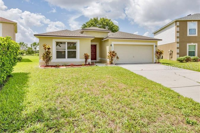 621 Brown Bear Court Saint Cloud, FL 34772