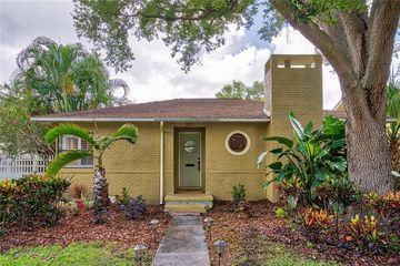 235 17th Avenue NE St Petersburg, FL 33704 - Image 1