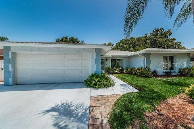 3013 Sarah Drive Clearwater, FL 33759
