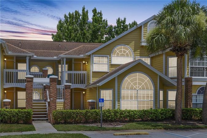 2465 Sweetwater Club Circle #8 Kissimmee, FL 34746