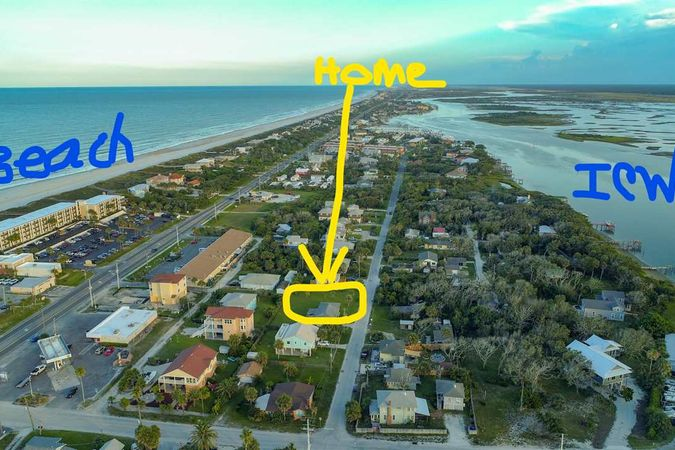 6942 Middleton Ave St Augustine, FL 32080-8165