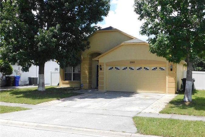 2983 Red Oak Drive Kissimmee, FL 34744