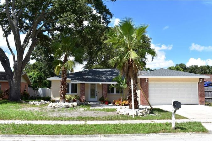 6386 Heather Lane N Pinellas Park, FL 33781