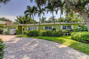 769 79th Circle S St Petersburg, FL 33707 - Image 1