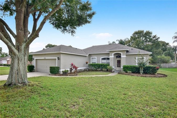 1262 Stoneywood Way Apopka, FL 32712