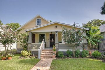 435 E 6th Avenue Mount Dora, FL 32757 - Image 1