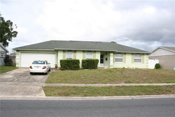 68 Carriage Hill Circle Casselberry, FL 32707