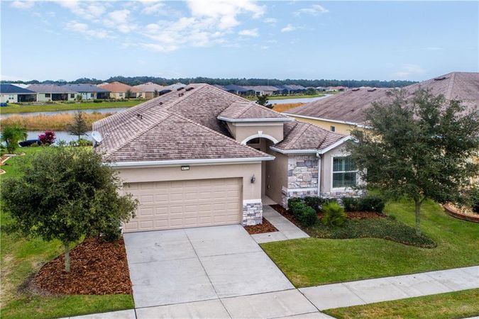 8772 Bridgeport Bay Circle Mount Dora, FL 32757