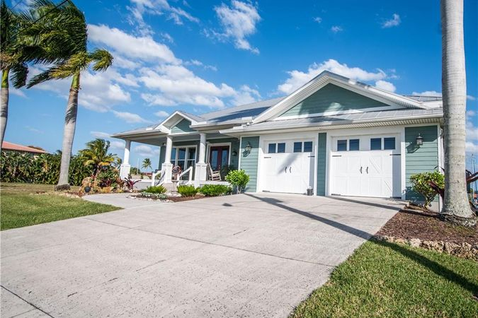 40 Colony Point Drive Punta Gorda, FL 33950