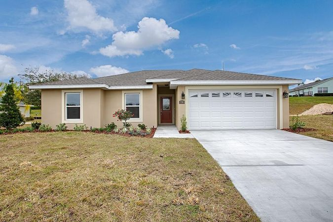 74 Fairway Circle Umatilla, FL 32784