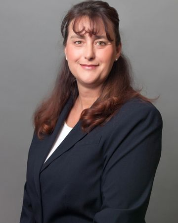 Jennifer Bauer, Real Estate Agent