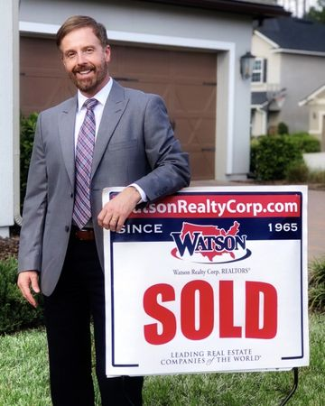 Tom Moore, Real Estate Agent