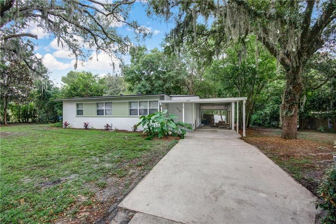 8858 Atter Lane Jacksonville, FL 32216