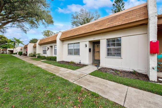 1277 Mission Circle 49-F Clearwater, FL 33759