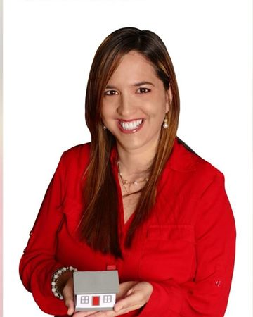 Eleana Carrion, Real Estate Agent